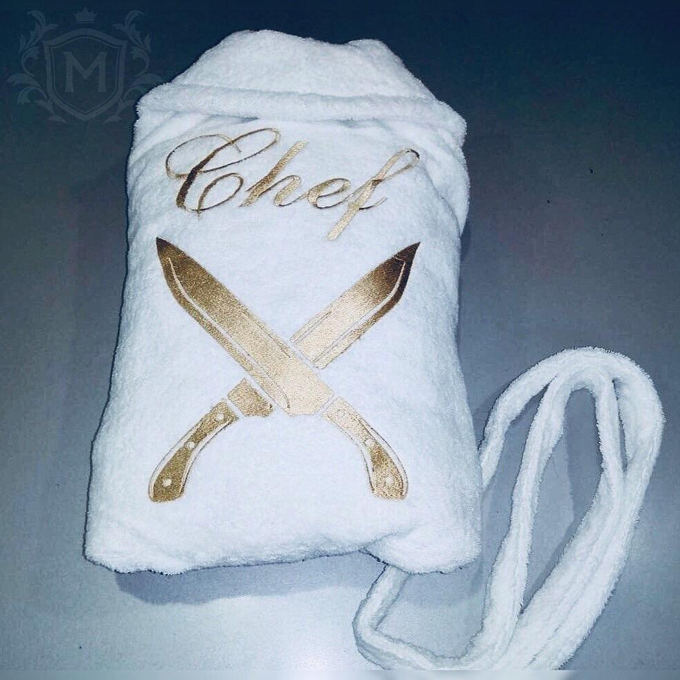 белый халат с вышивкой для шефа