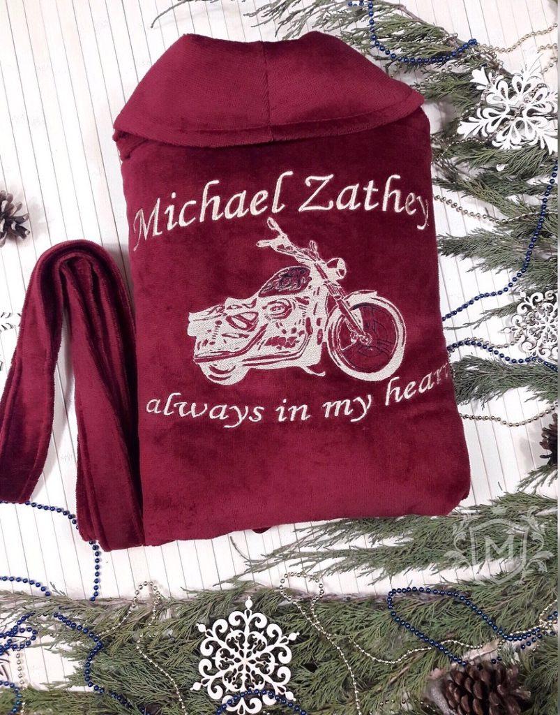 халат с вышивкой мотоцикла