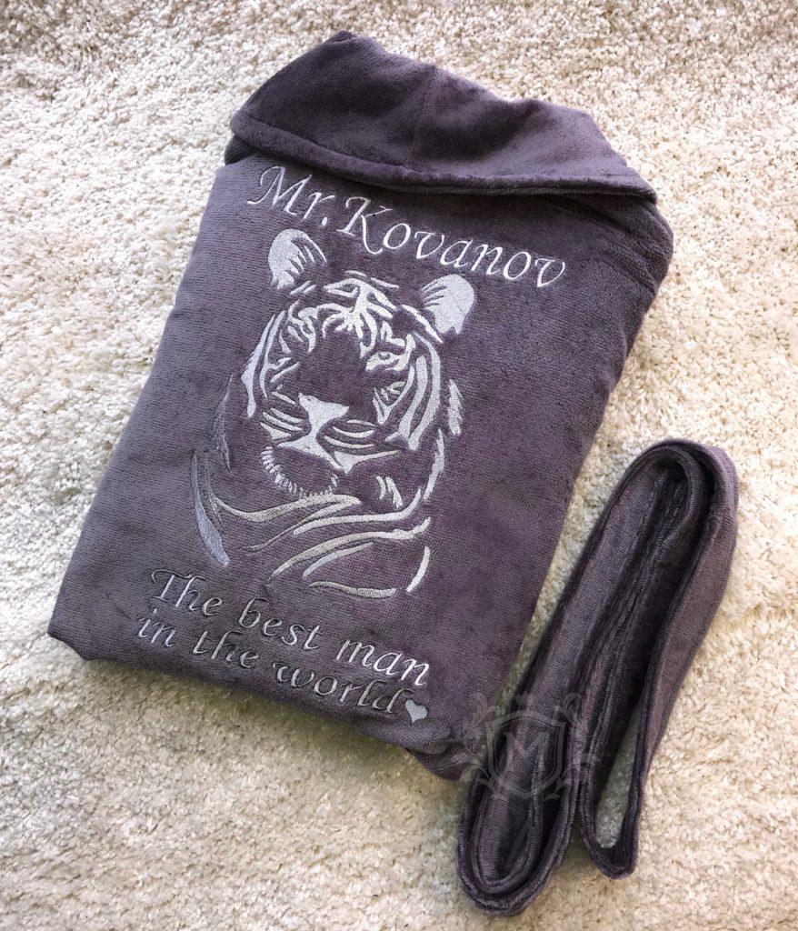 именной халат с тигром