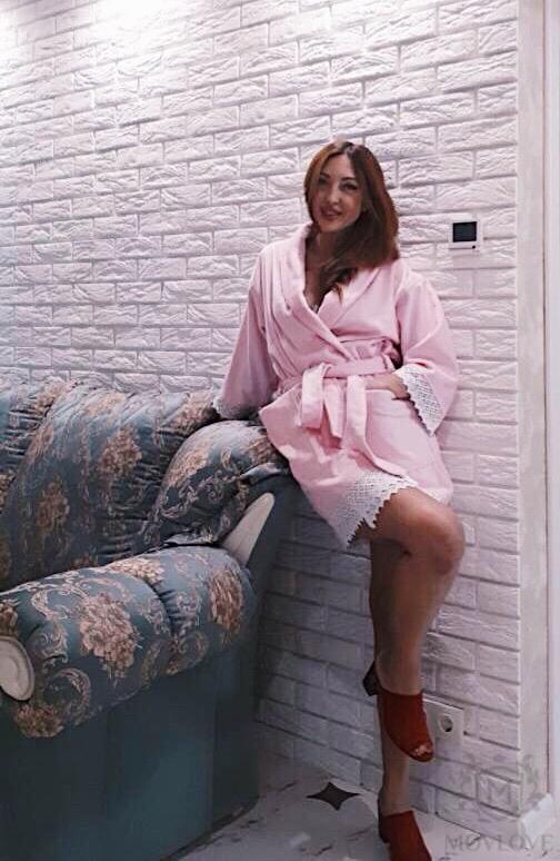 розовый именной халат спереди
