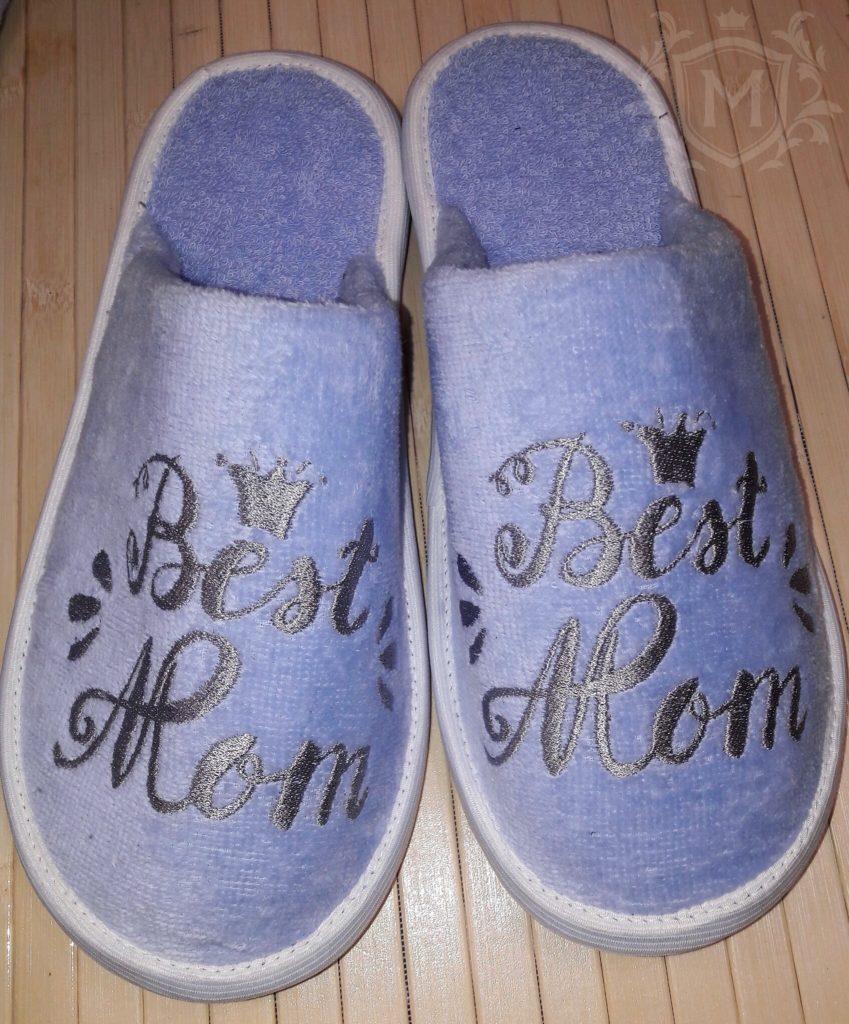 тапочки с вышивкой для мамы