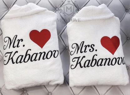 именные халаты парные для семейной пары с вышивкой сердца