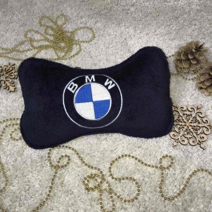 подголовник в машину с вышивкой лого бмв